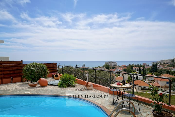 2 bedroom bungalow with private pool in Pissouri