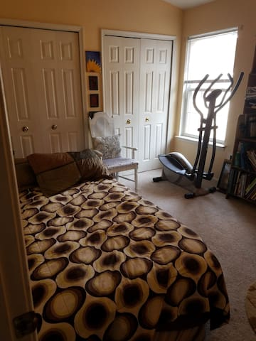 Quiet Room in Heart of Northern Virginia - Woodbridge - Hus