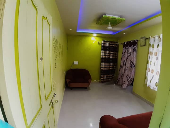 Fully furnished flat at dist of 10min from airport
