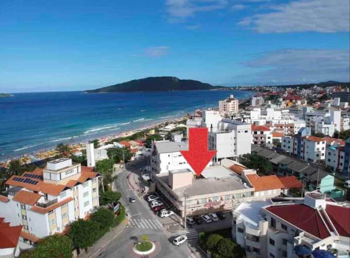 Excelente localização prox praia, farmacia, mercad