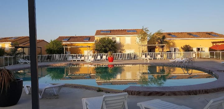Villa duplex 6 couchages  2 kms de la Méditérannée