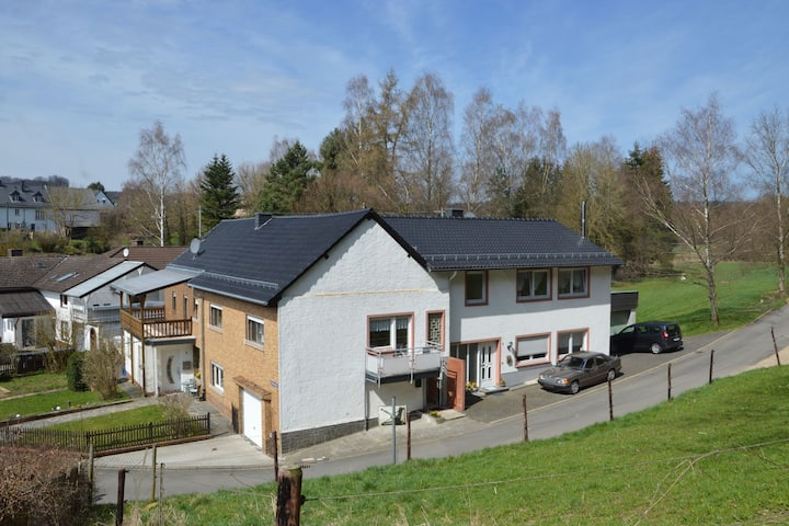 Cozy Apartment in Kerpen with Garden