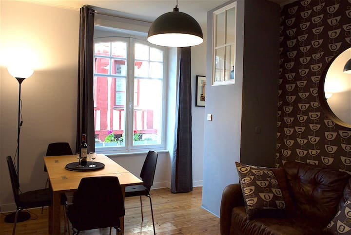 Contemporary central apartment