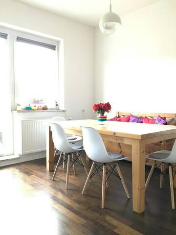 große, gemütliche Wohnung-nur 11 Min. zum Dom/Hbf