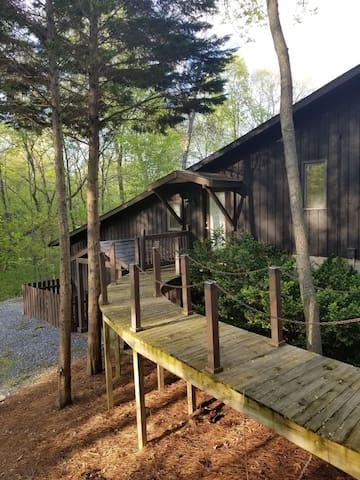 Mountain Style Piedmont Retreat, near HP, WS & GSO