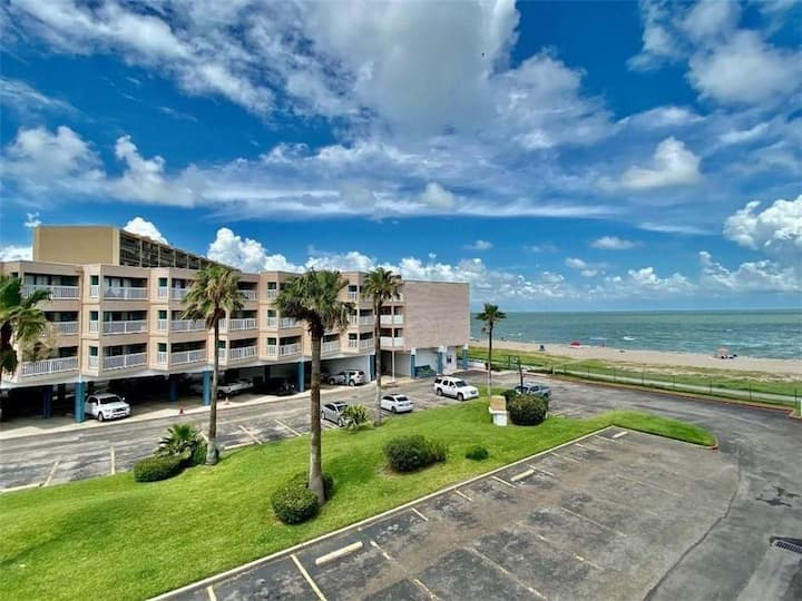Condo with a View by the beach, pool, BBQ & more