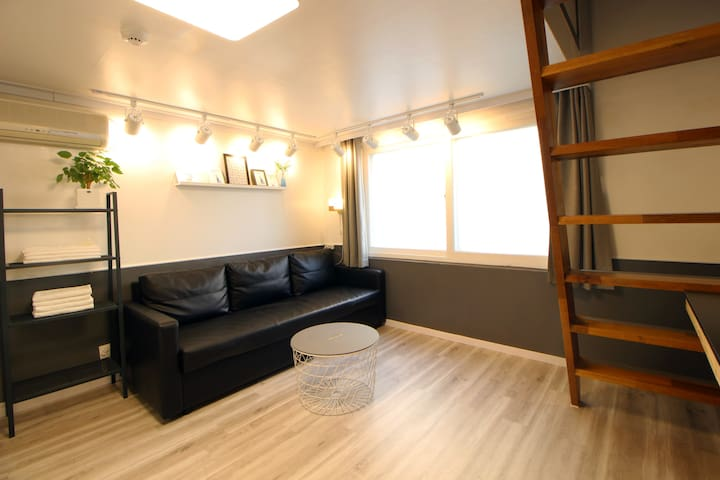 *Hongdae-Seoul Mansion*Duplex Room
