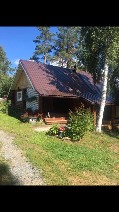 Дом в Карелии с баней и бильярдом