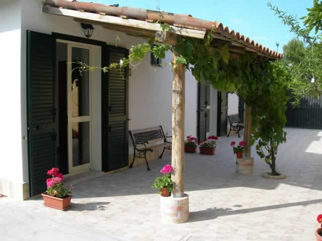 Naxos GuestHouse