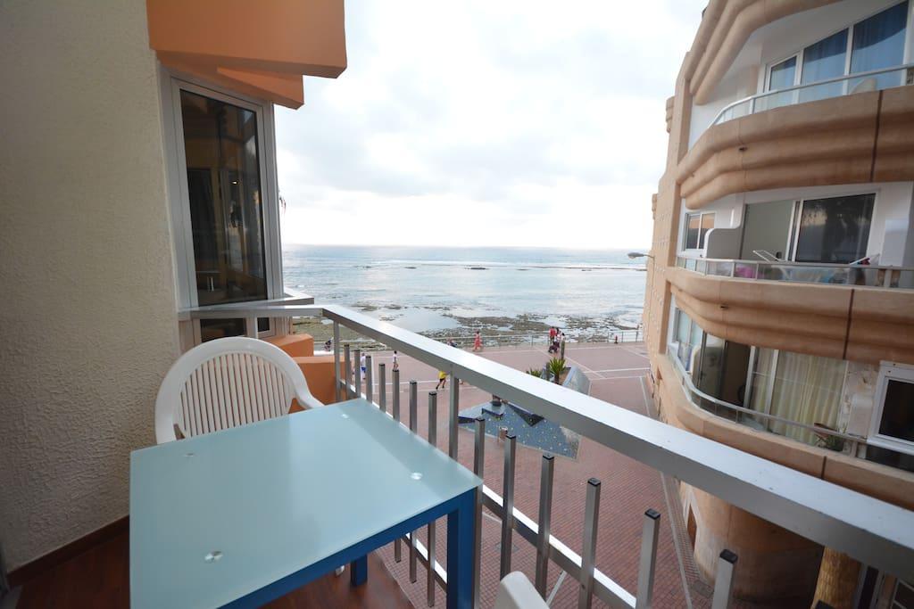 Apartamento atlantida apartamentos en alquiler en las for Cocina urbana canaria