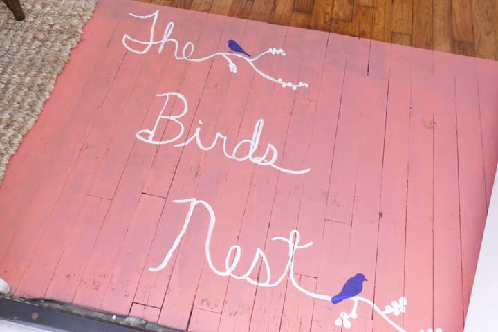 "We welcome you to our cozy ""Birds Nest"""