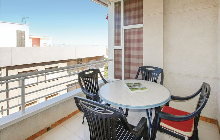 Holiday apartment with 2 bedrooms on 63m² in Santa Pola