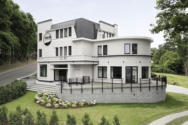 Beautiful mansion with sauna and huge garden on the Kluisberg
