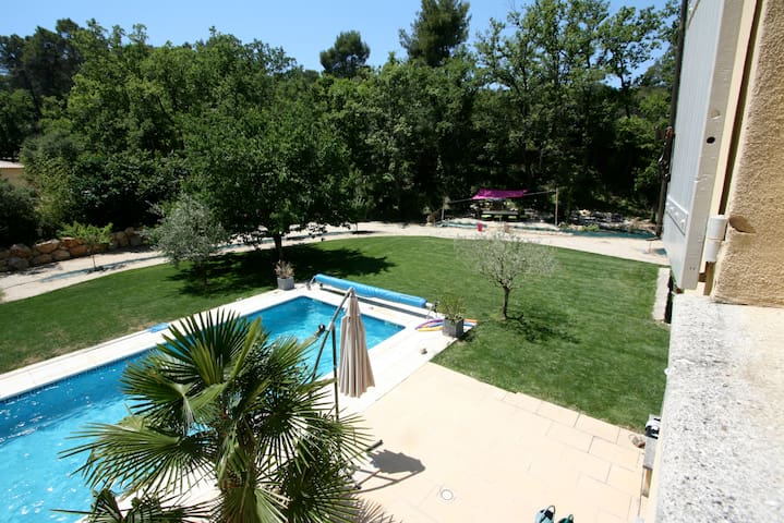 Very quiet Villa in South LUBERON - Peyrolles-en-Provence - House