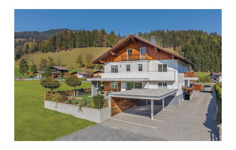 Holiday apartment with 3 bedrooms on 90m² in Flachau