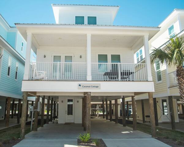 Short walk to the Beaches of Alabama in this Modern Newly Built Home