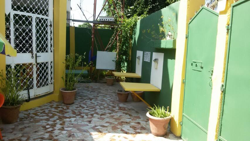 Senegambia VIP Villa,privateroom, use part  Villa