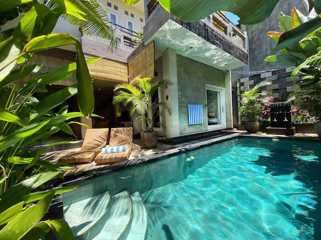 Tropical Villa in Seminyak near the Beach