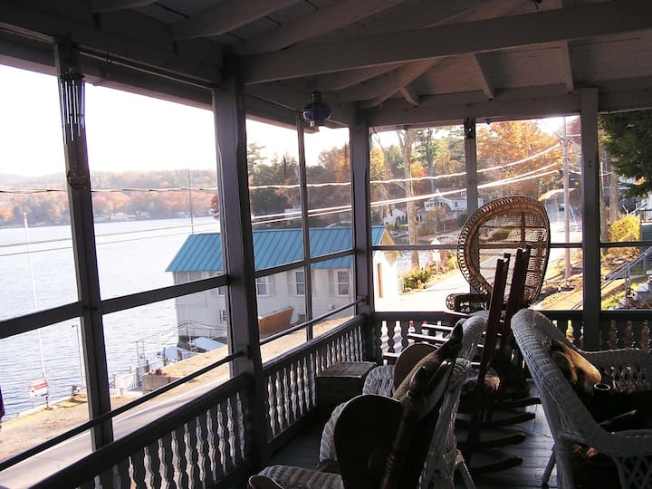 Loon Lodge Lakefront Cottage