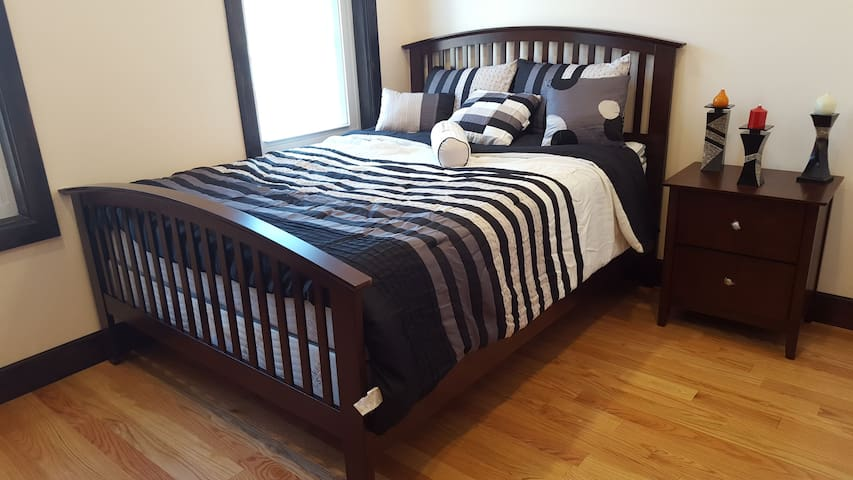 Private Rm in Ridgewood by L train! - Brooklyn