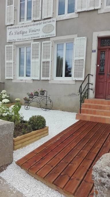 Tuinkamer chambre jardin maisons louer viviers for Jardin potager a louer 78
