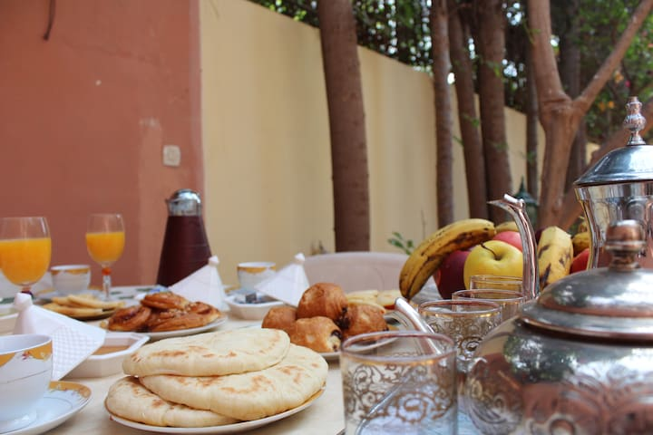 Double Room in Agadir-10 min from the center