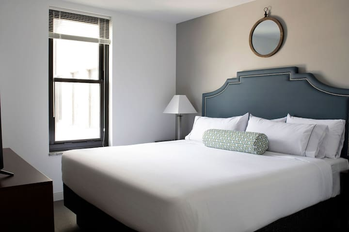 Beautiful Stay Alfred at Market City Center