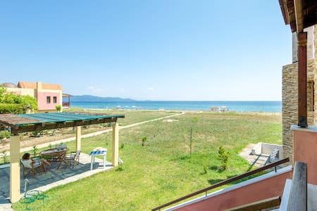 Relaxing beach house 50 m from the coast! - Ierissos - Dom