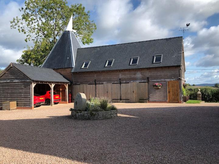 Large Oak Framed Oast Barn - entire first floor