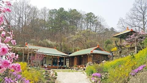 옥천 높은댕이집 :: SBS <불타는 청춘> 촬영장소 / 독채단독사용 / 경치 좋은 시골집