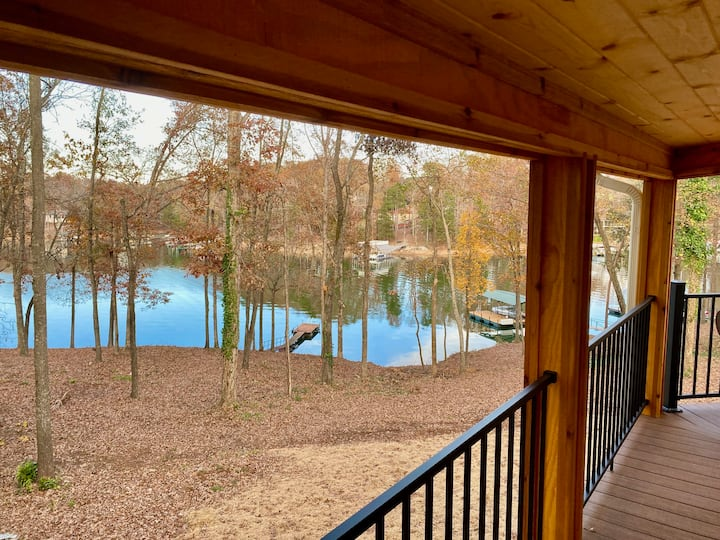 Lakefront Home w/Deep Water and Private dock