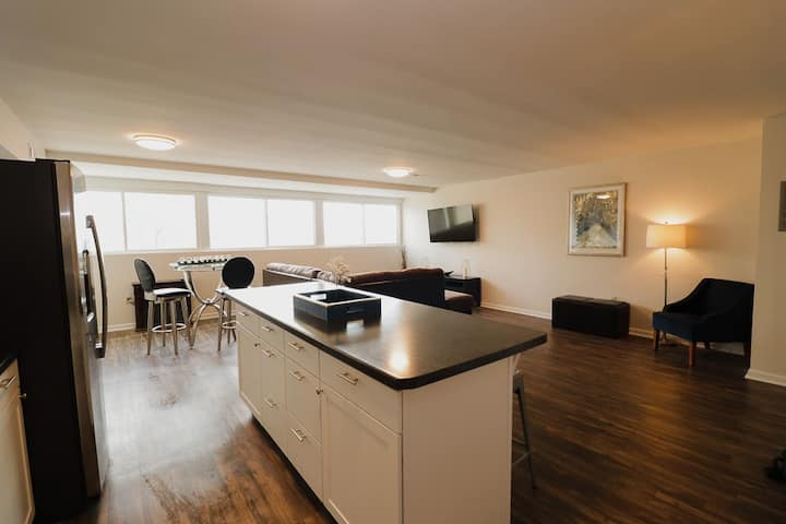 Gorgeous View - Ideal Location-Affordable Cost
