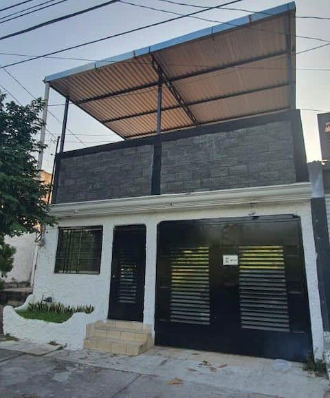 Casa climatizada céntrica , cerca de plaza comerc