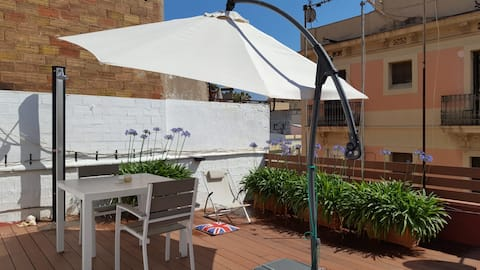 SMALL STUDIO WITH LOVELY TERRACE