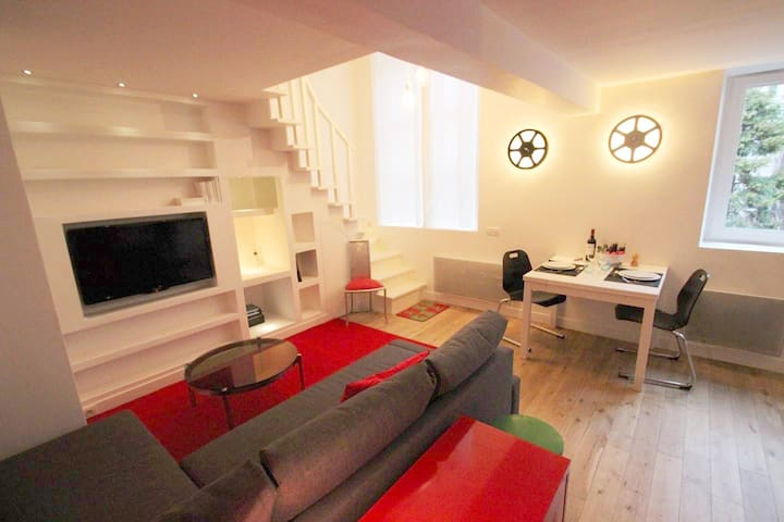 Cosy and luminous Duplex near Canal Saint-Martin