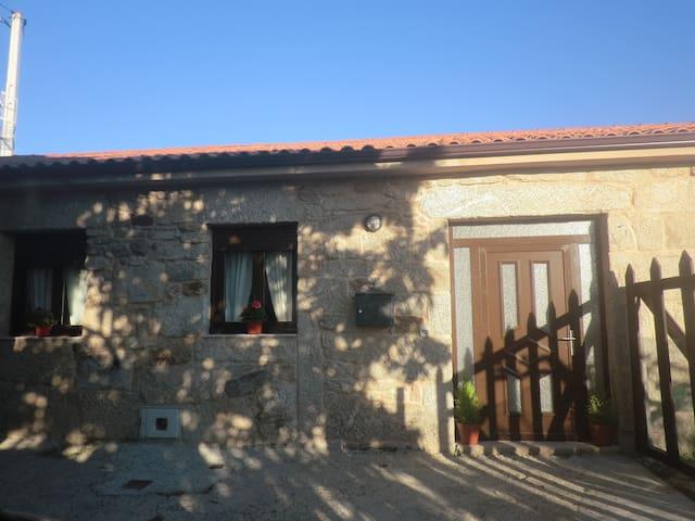 Casita de piedra para 6 personas en O Carballiño - A Touza - Huis