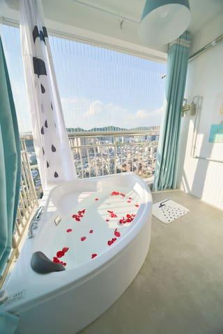 梦之岛楼上/高楼层29楼/露天超大浴缸/ 2米日式榻榻米大床/双床套间房/北欧小居/市中心繁华