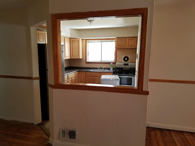 Nice Room with all Utiluties includ - Staten Island