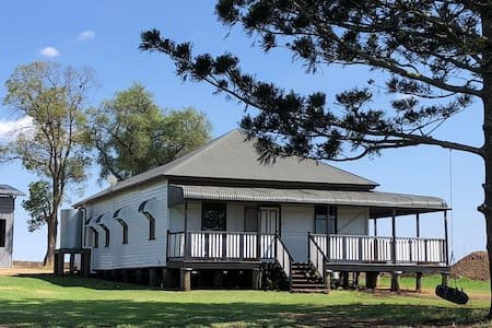 Beautiful Farm house near Toowoomba Free Breakfast