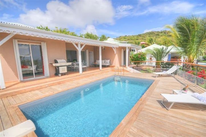 La Vie En Bleu - Ideal for Couples and Families, Beautiful Pool and Beach - Orient Bay - Villa