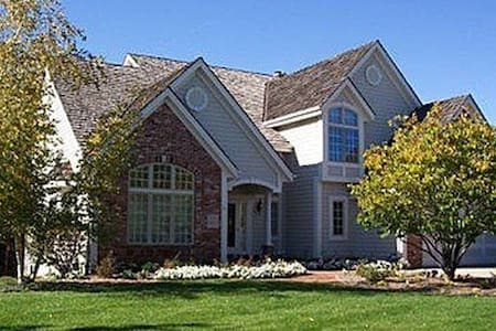 Lake Country Home (Delafield, WI) - Dom