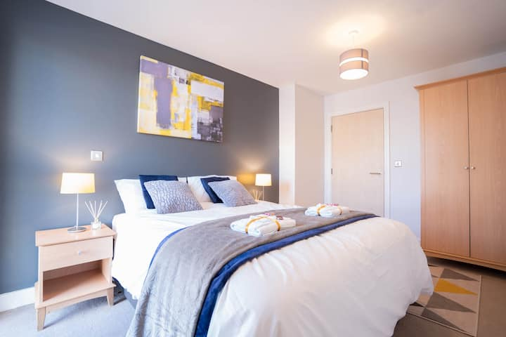 City Centre Apartment | 2 mins from New Street