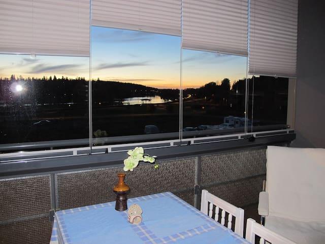 3 h + keittiö, s ja parveke Vanajavesi-näkymin - Hämeenlinna - Apartamento