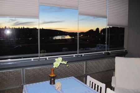 3 h + keittiö, s ja parveke Vanajavesi-näkymin - Hämeenlinna - Apartmen