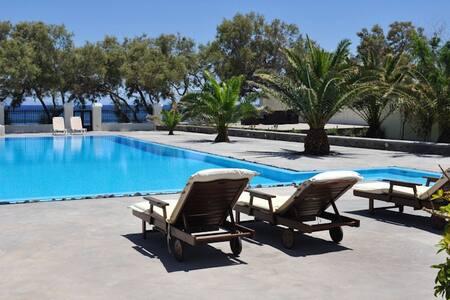AS.beach Villa - Kamari - วิลล่า