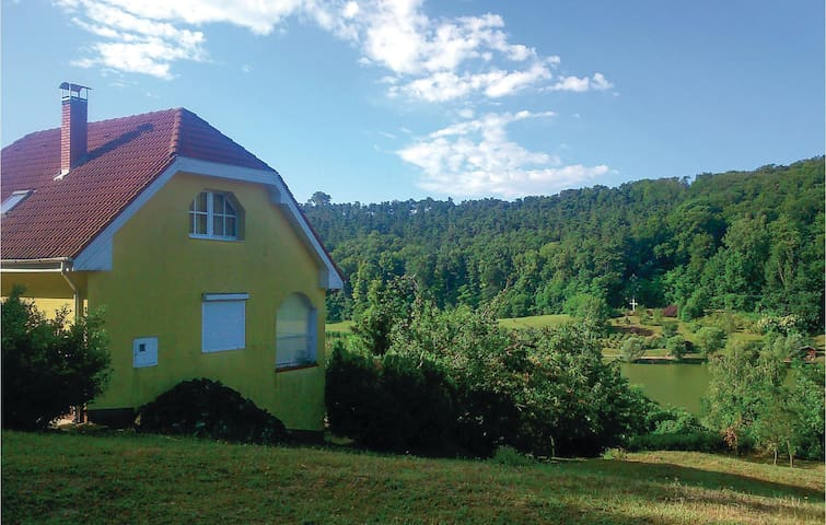 Holiday cottage with 2 bedrooms on 135 m² in Zalacsány