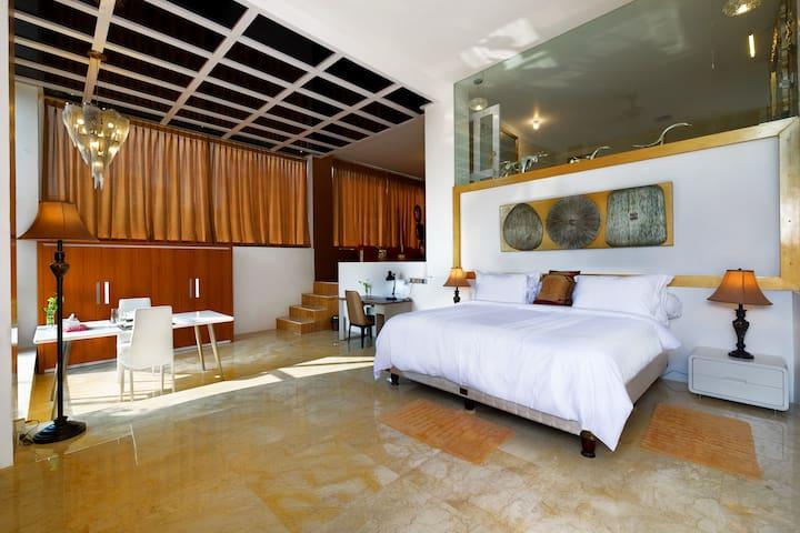 Hotel Villa Buah ( Deluxe Room ) - Batu Layar - Andre