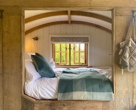 The Green Hut, walker's paradise in Batcombe