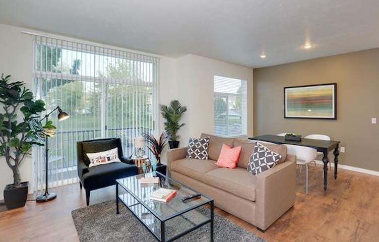 Clean apt just for you | 1BR in Liberty Lake