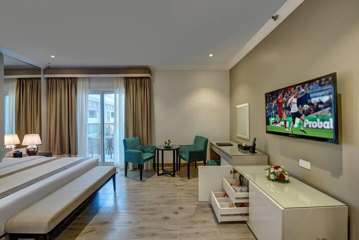 DUBAI HOTEL-BRAND NEW DESIGNER ROOM- AL BARSHA